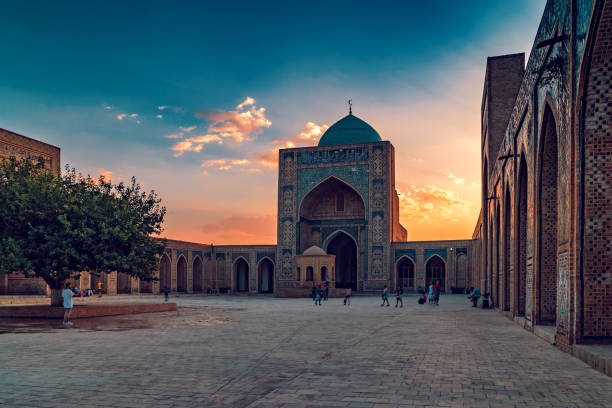 kalyan moskee in buchara - oezbekistan stockfoto's en -beelden