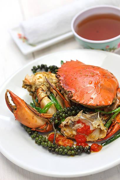 kampot green pepper crab - krab gerecht stockfoto's en -beelden