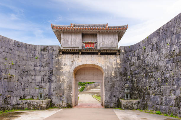 Kankaimon gate Kankaimon gate, the first main gate of Shuri castle which the king and officers used naha stock pictures, royalty-free photos & images