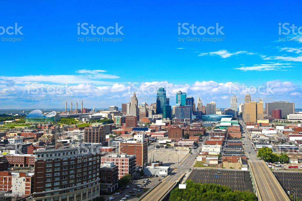 Horizonte del centro de Kansas City Missouri - foto de stock