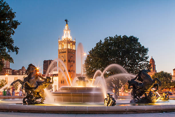 Kansas City Missouri Fountain at Country Club Plaza J.C. Nichols Memorial Fountain, by Henri-L town square stock pictures, royalty-free photos & images