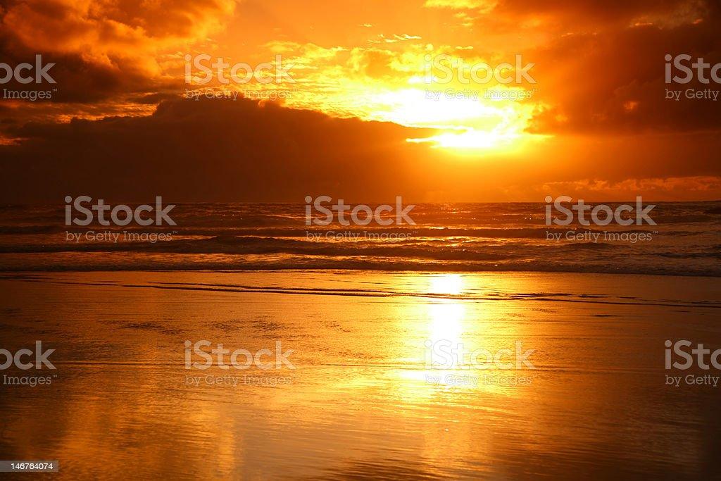 カレカレビーチの夕日 - オークランドのロイヤリティフリーストックフォト