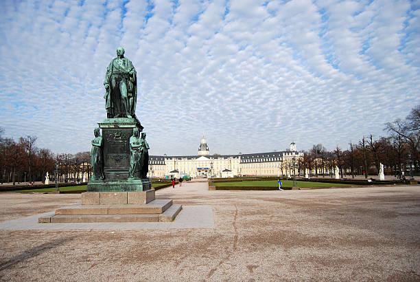 karl friedrich-statue am schloss karlsruhe - karlsruhe schloss stock-fotos und bilder