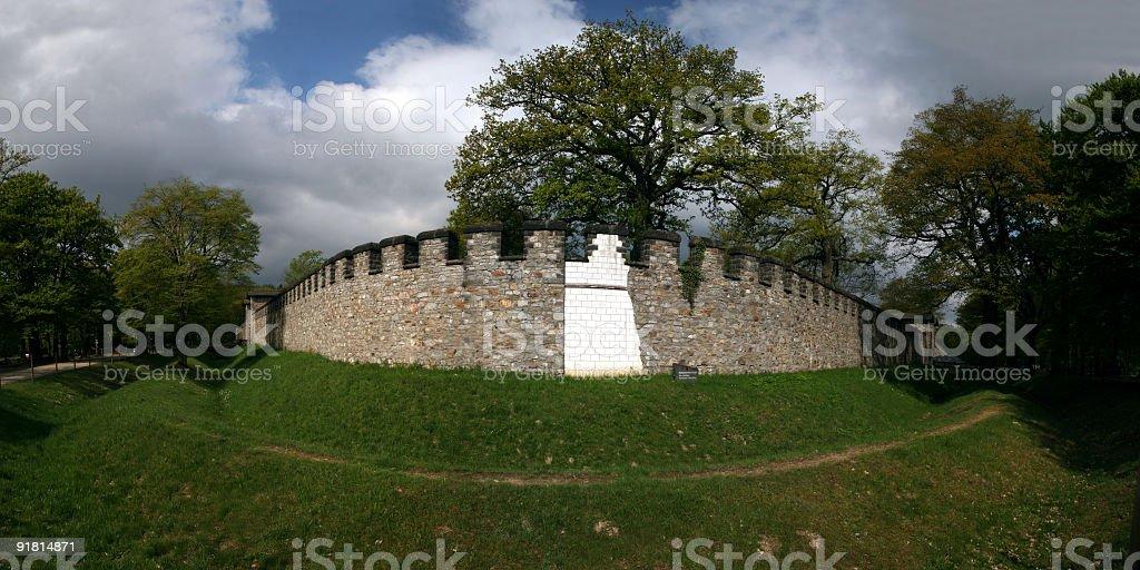 Kastell Saalburg im Taunus mit Ringwall royalty-free stock photo
