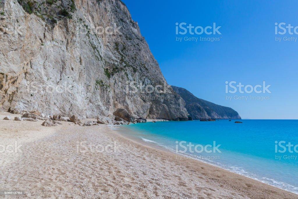 Katsiki Strand, tiefblauem Himmel und Meer, Lefkas, Griechenland – Foto