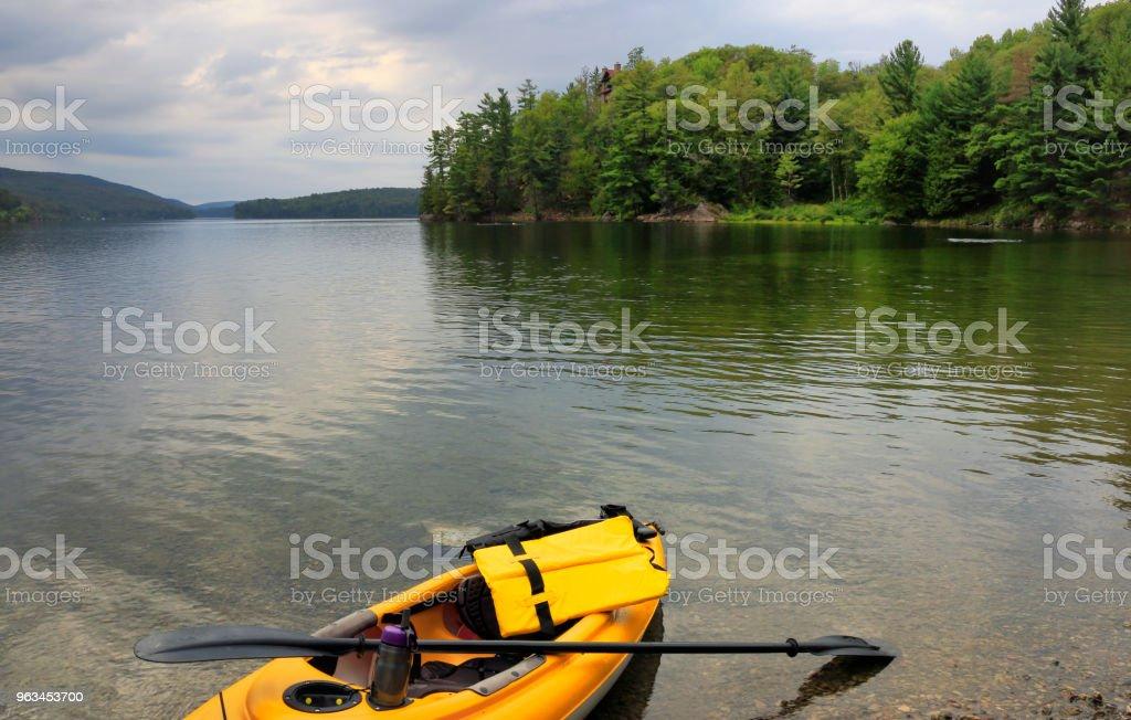 Kayık keşfetmek Gatineau Park - Royalty-free Bakir Yer Stok görsel