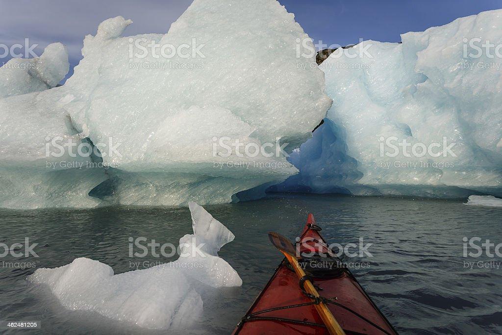 Carte Bleue Kayak.Photo Libre De Droit De Kayak Au Bord Des Cartes Dacces En Direction
