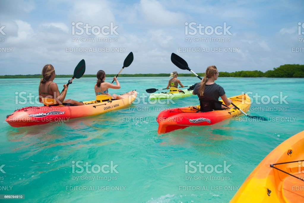 Kayaking in the Caribbean - foto de acervo