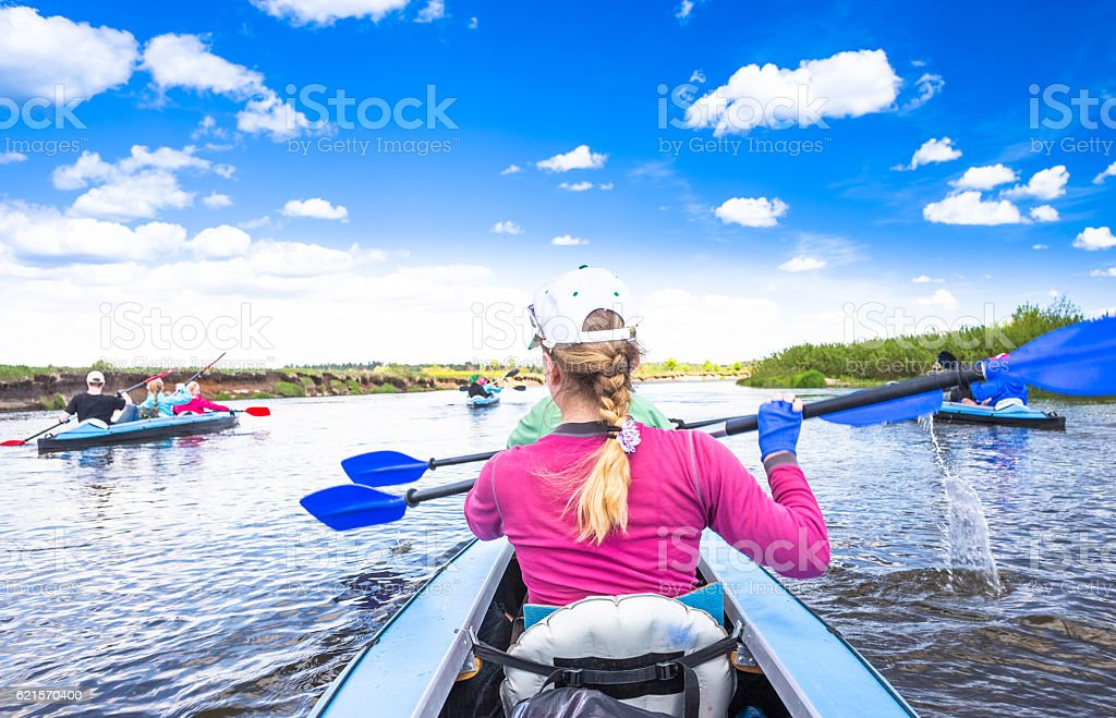 Kayaking on beautiful nature at summer sunny day. Sport people photo libre de droits