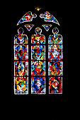 Prise de vue de l'église paroissiale. Elle fut commencée vers 1230 et terminé au XVème siècle, de style roman gothique, au zoom 18/135, 2000 iso, f 4.5, 1/160 seconde