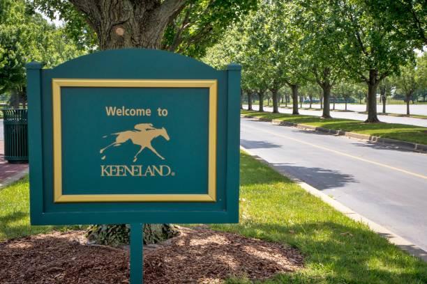 Keeneland horse racing track in lexington kentucky picture id876374552?b=1&k=6&m=876374552&s=612x612&w=0&h=qa2axa2ijsazknm meby3vhhykynlziolil zaxzas8=