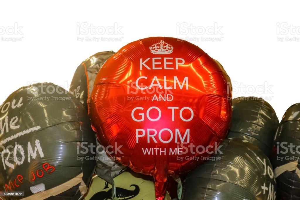 Bewahren Sie Ruhe und gehen zum Abschlussball mit mir Ballons - isoliert auf weiss – Foto