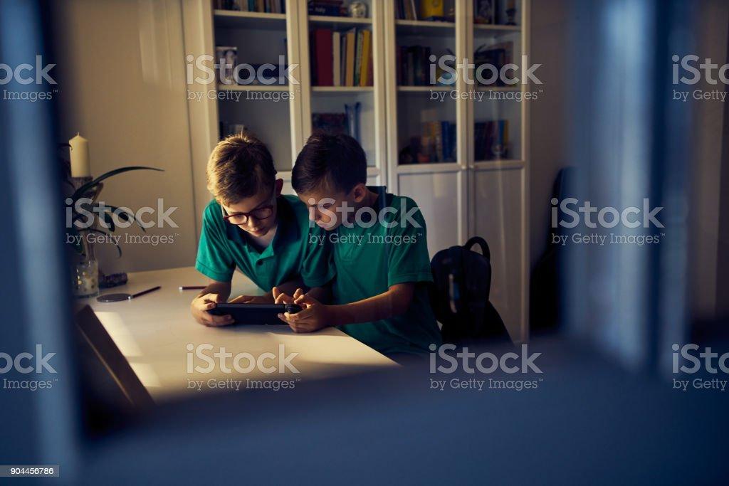Mit etwas Bildung beschäftigt zu halten – Foto