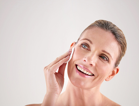 491713766 istock photo Keeping her skin fresh and clean 491713978
