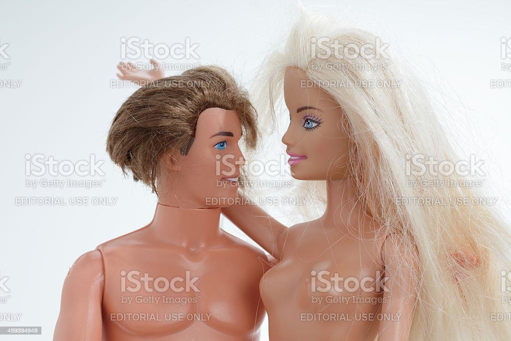 ケンとバービー 2 つの人形ホワイト Mattel Incのストックフォトや