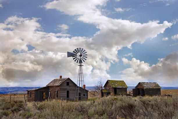 кент орегон homestead - город призрак стоковые фото и изображения