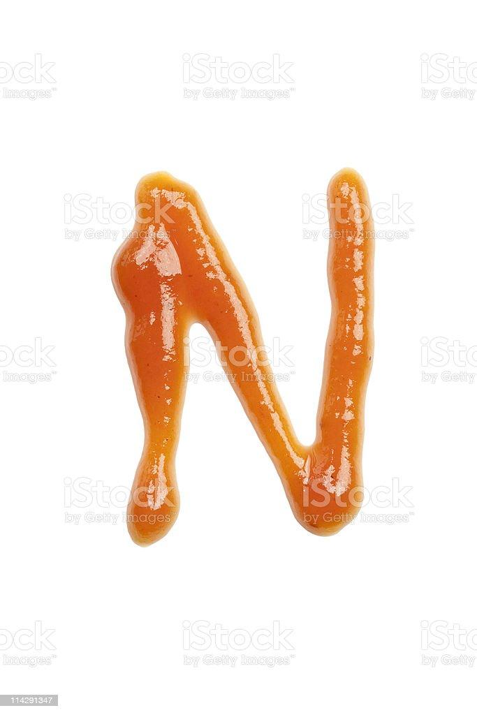 ketchup Buchstabe N, isoliert auf weißem Hintergrund – Foto