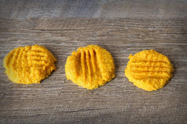 ketogene atkins kürbis butter cookies für einen low-carb-diät oder eine glutenfreie diät - low carb kekse stock-fotos und bilder
