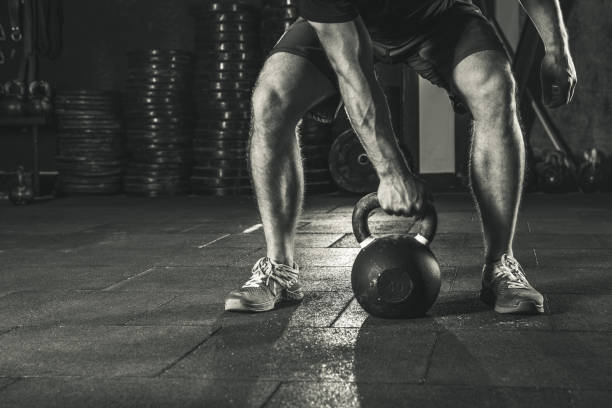 Kettlebell Training im Fitness-Studio. – Foto