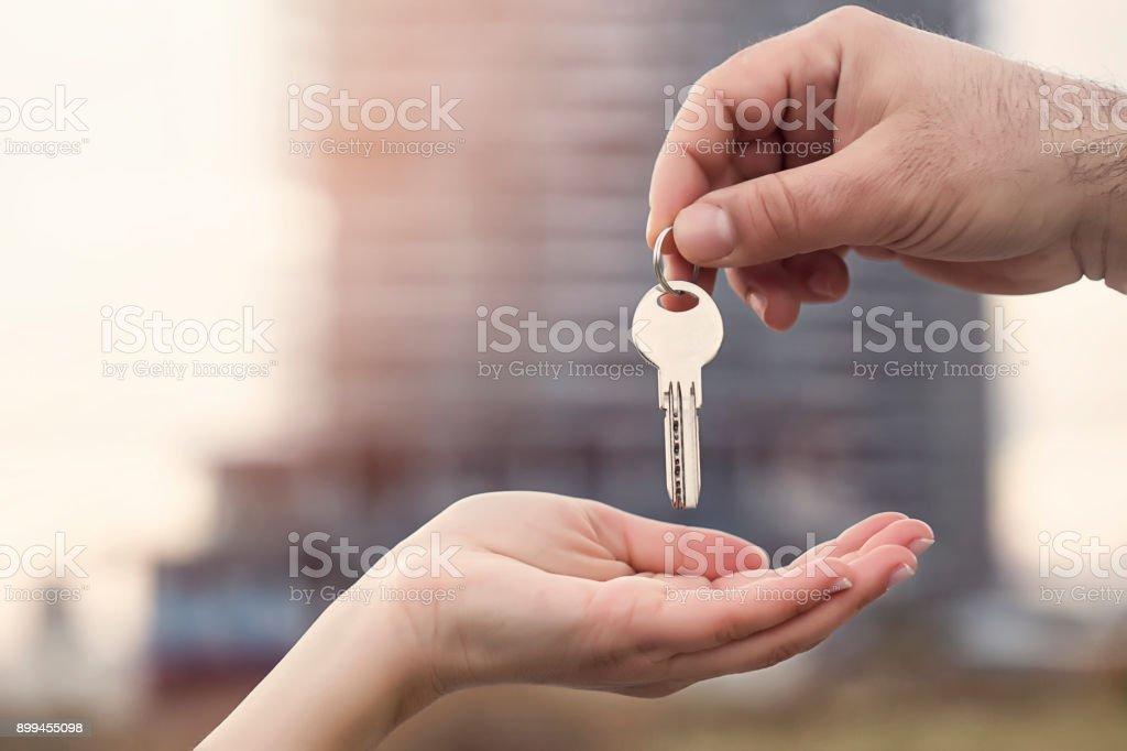 Clave para la nueva casa - foto de stock
