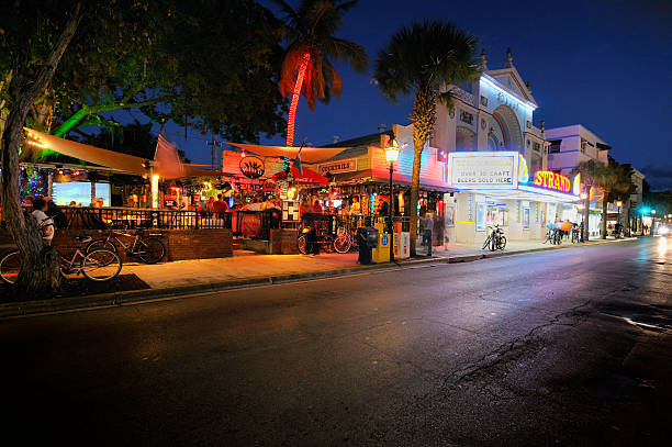 key west: willie t's and duval street - mike cherim stock pictures, royalty-free photos & images
