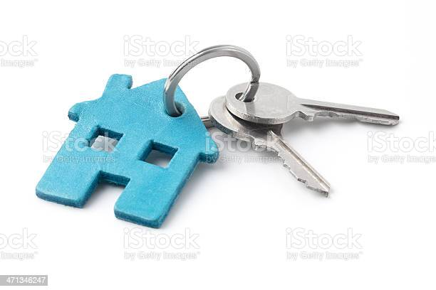 Keys on a ring with blue house keychain picture id471346247?b=1&k=6&m=471346247&s=612x612&h=dkjsfm62njfg y07y8zuv hvgfsb8sndqgljnvfy yc=