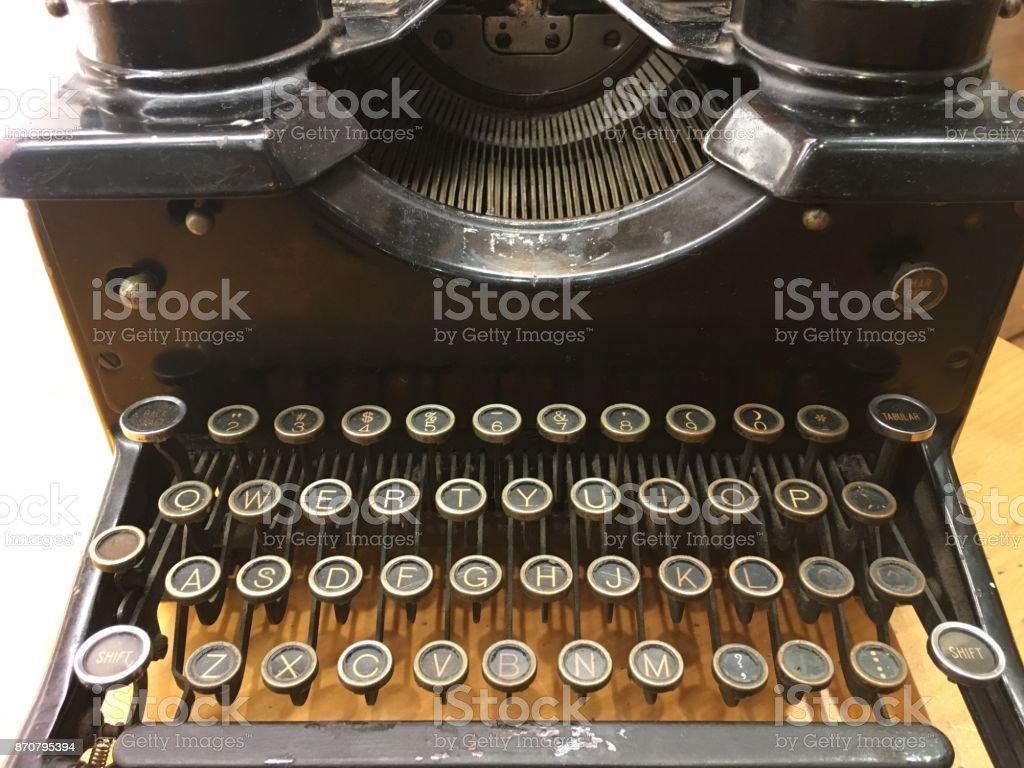 QWERTY-Schlüsselwort von einer alten Schreibmaschine – Foto