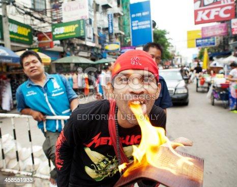 istock Khao San Road Street Vendor 458551933