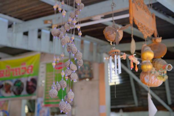 khmer magischer hängender talisman für die anziehung von kunden - traumfänger tattoos stock-fotos und bilder