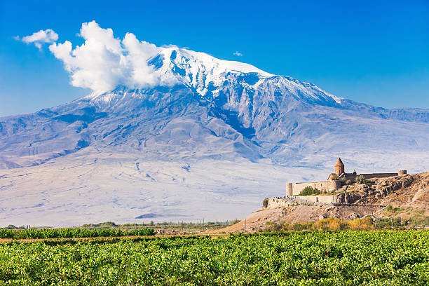 Khor Virap Monastery Khor Virap with Mount Ararat in background. The Khor Virap is an Armenian monastery located in the Ararat plain in Armenia, near the border with Turkey. armenian culture stock pictures, royalty-free photos & images