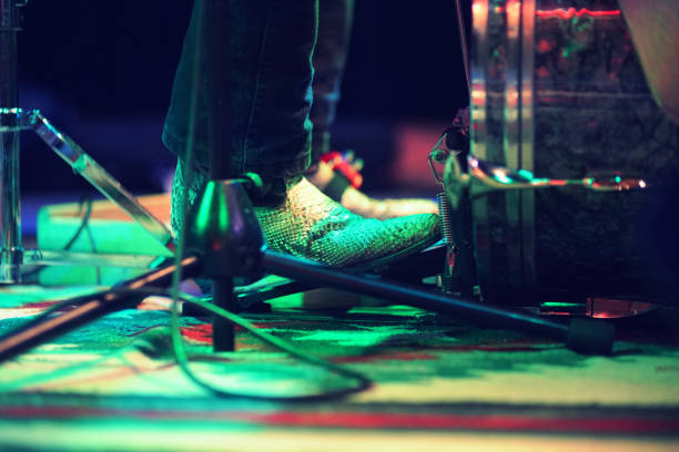Kick the drum - on stage Kick the drum - on stage country and western music stock pictures, royalty-free photos & images