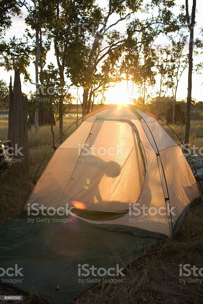 kid in a tent foto stock royalty-free