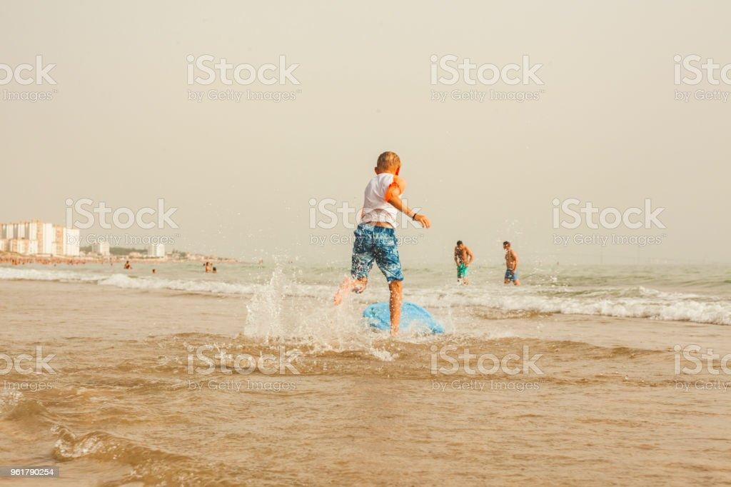 tabla para correr olas