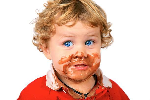 lecker eis! - kinderschokolade stock-fotos und bilder