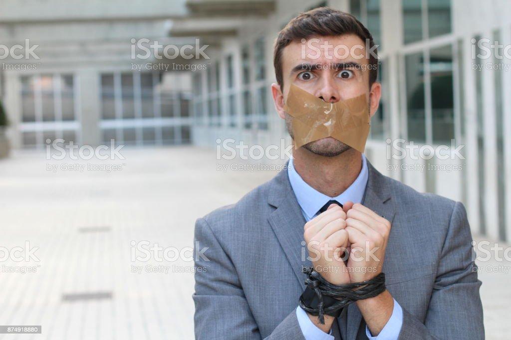 Entführte Geschäftsmann isoliert mit Textfreiraum – Foto