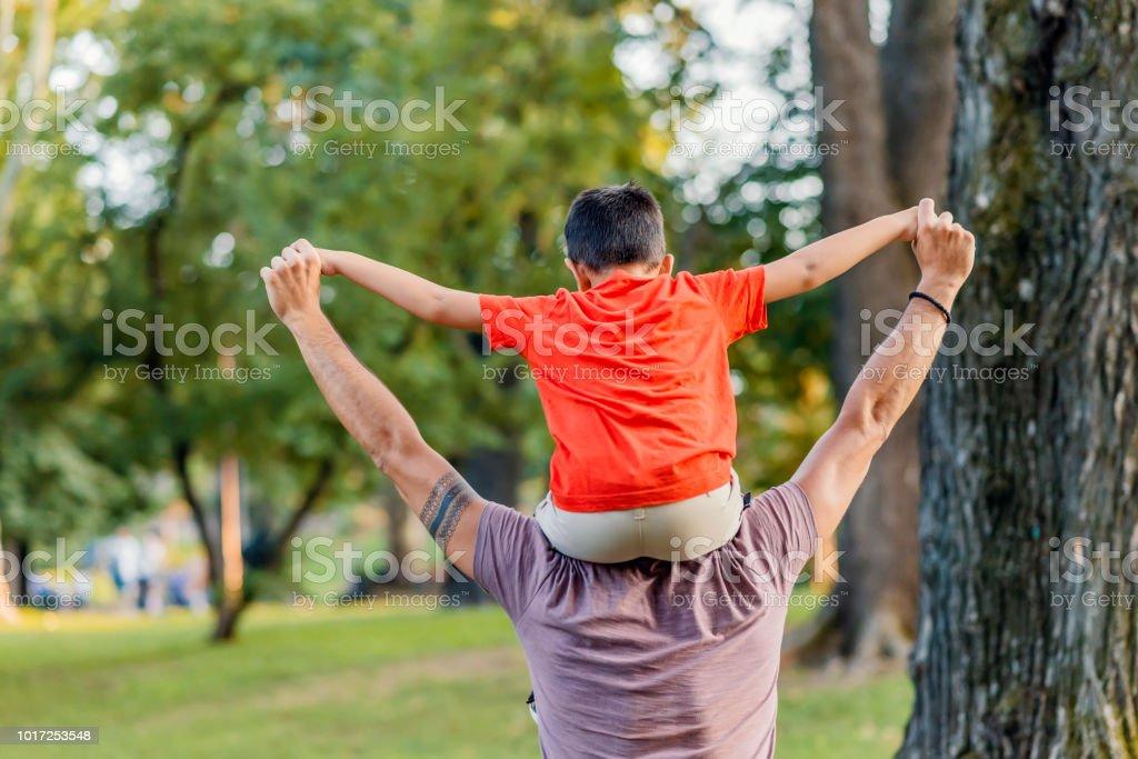 Kinder bringen Freude in unseren Tagen – Foto