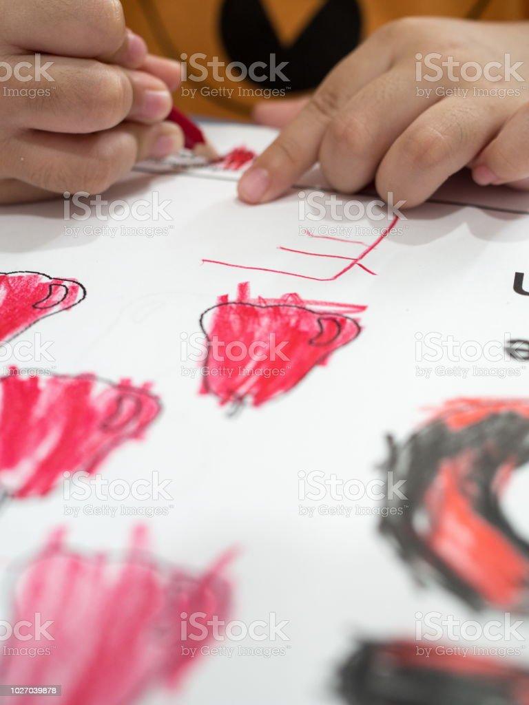 Photo Libre De Droit De Enfants Coloriage En Papier Banque D