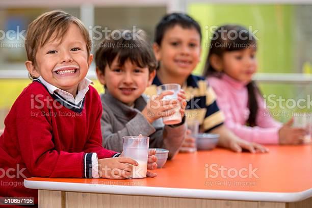 Kids on a school break picture id510657195?b=1&k=6&m=510657195&s=612x612&h=lzyk4apqtm9eyon2 yluphrm2fqlbanzqp6pexmz6jw=