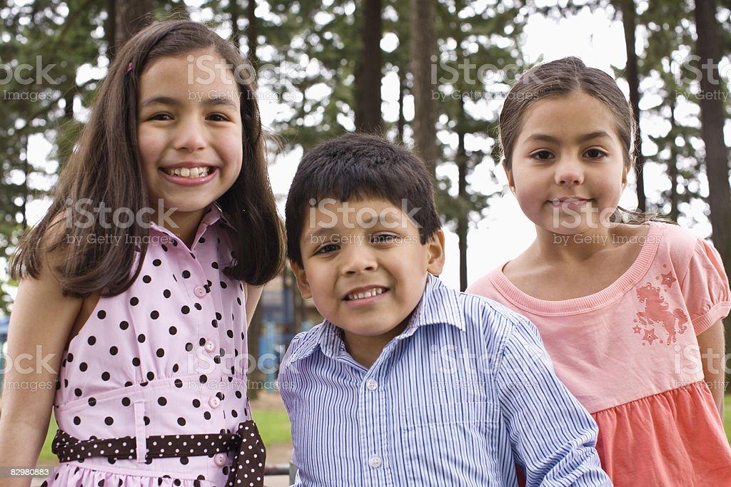 carousal in un parco giochi per bambini foto stock royalty-free
