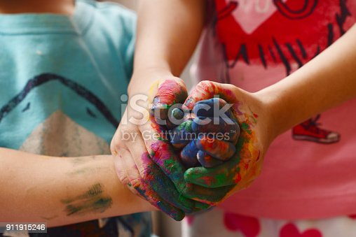154371635 istock photo Kids painting 911915246
