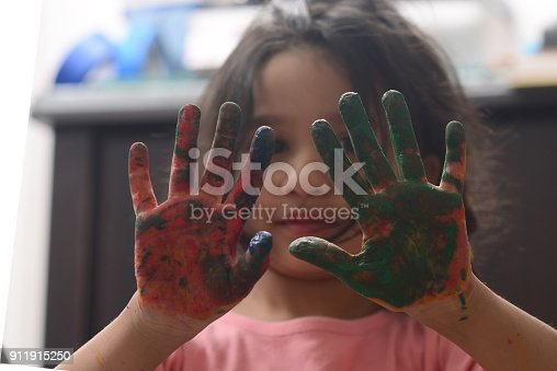 154371635 istock photo Kids painting 911915250