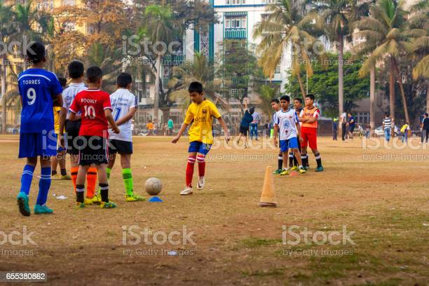 Kids playing football picture id655380862?b=1&k=6&m=655380862&s=612x612&h=qcvwwkacky5j8paidxz8k7p0o4ffeot4reoxj7nslew=