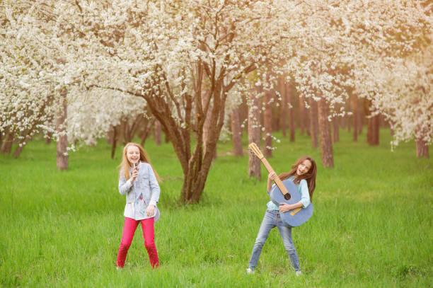 Zwei japanische Teenager-Mädchen