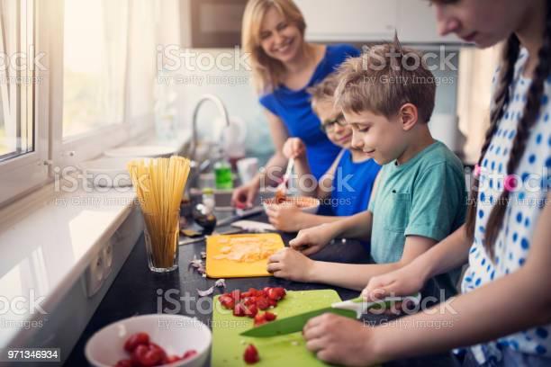 Kids preparing lunch picture id971346934?b=1&k=6&m=971346934&s=612x612&h=2jo2pvk9xixazakvoykgn34gaebi wtv0qbmo2dnzya=