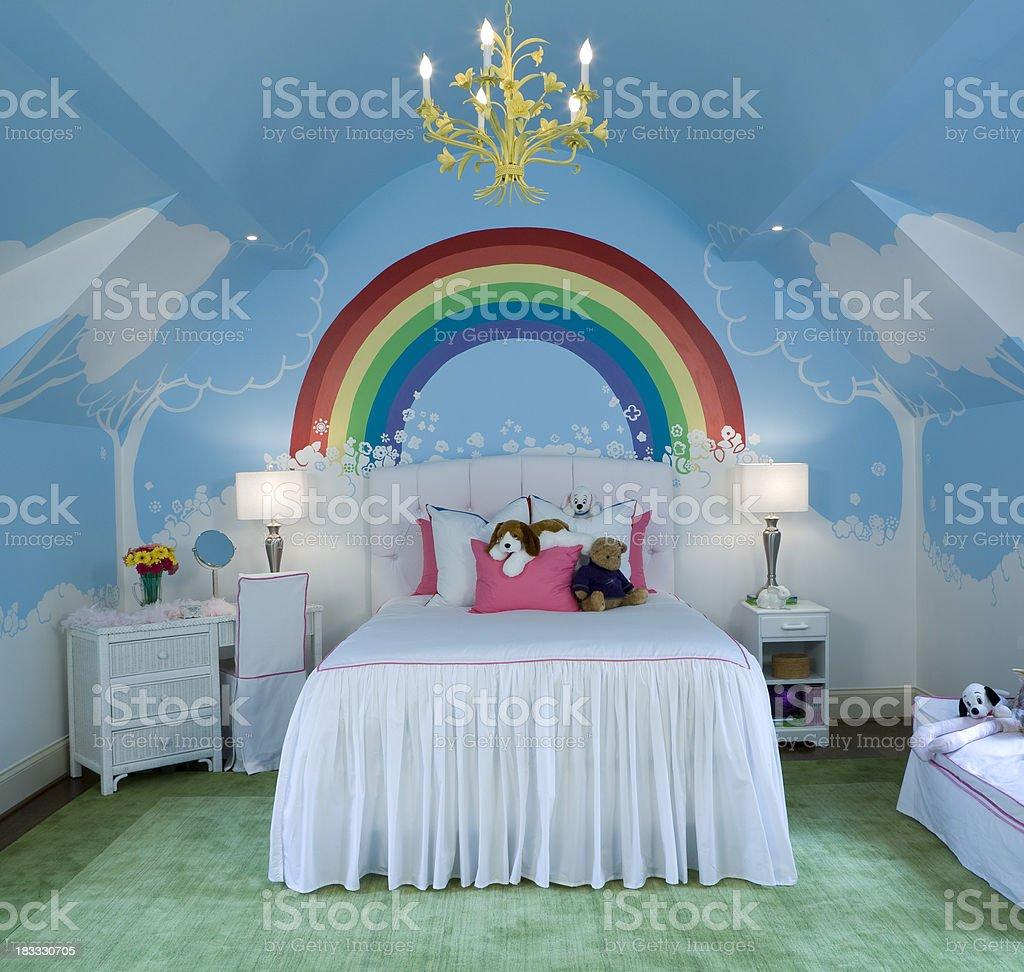 Los Ninos Con Murales Habitacion Rainbow Foto De Stock Y Mas Banco
