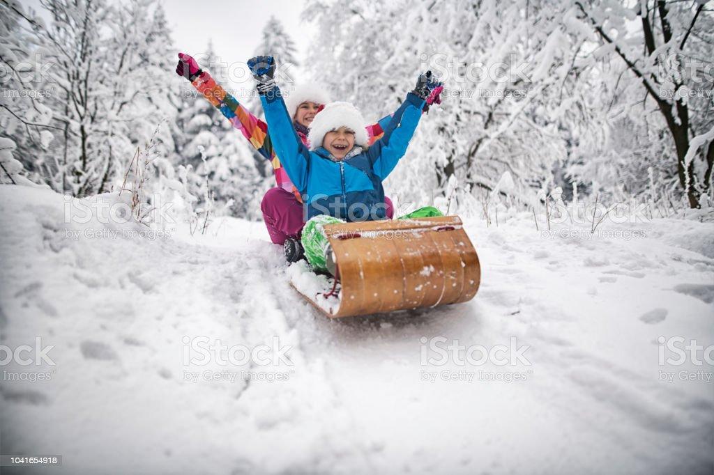 Kinder Rodeln auf Weihnachten – Foto
