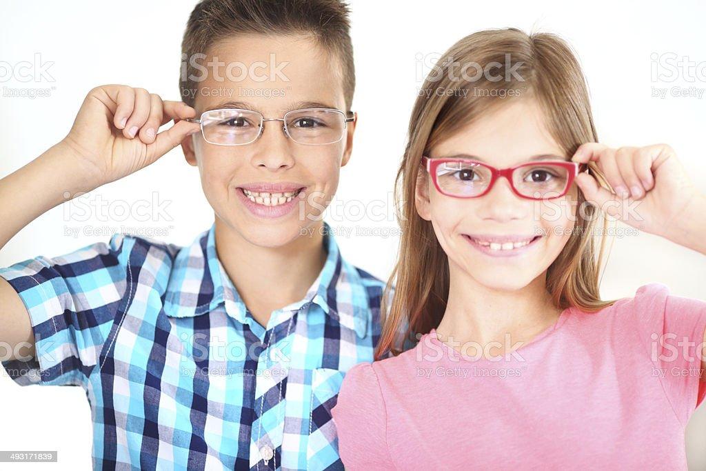 Kinder mit eyeglasses. – Foto