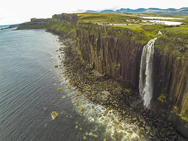 Kilt rock waterfall Kilt Rock waterfall in the Isle of Skye isle of skye stock pictures, royalty-free photos & images