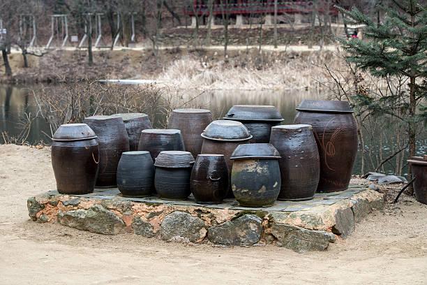 韓国のキムチ鍋で民族村 - 韓国文化 ストックフォトと画像