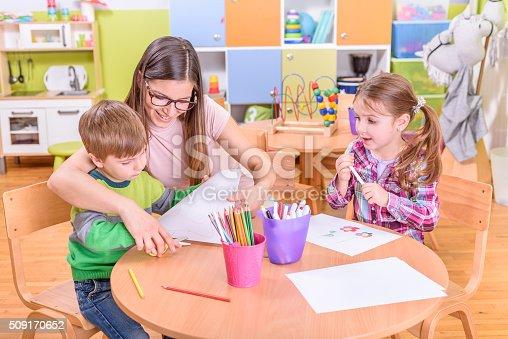 639271192istockphoto kindergarten art class 509170652